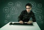 年轻的书呆子黑客与病毒和黑客攻击的想法 — 图库照片