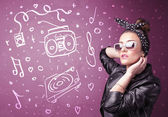 Happy funny woman with shades and hand drawn media icons — Stockfoto