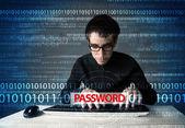 Junge geek hacker stehlen passwort — Stockfoto