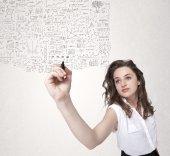 Giovane donna lo sketch e calcolando i pensieri — Foto Stock
