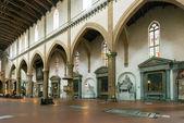 El interior de la basílica de santa croce de florencia — Foto de Stock