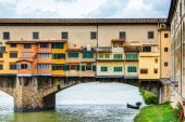 Ponte Vecchio over Arno river in Florence — Stock Photo