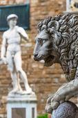 Sculpture of the Renaissance in Piazza della Signoria in Florenc — Stock Photo