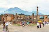 The Temple of Jupiter with Vesuvius, Pompeii, Italy — Zdjęcie stockowe