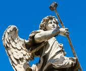 Angel statue on the Ponte Sant Angelo in Rome — Zdjęcie stockowe