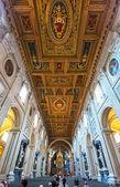 The ceiling of the Basilica di San Giovanni in Laterano, Rome — Stockfoto