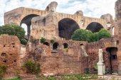 Ruiny rzymskiego forum w Rzymie — Zdjęcie stockowe