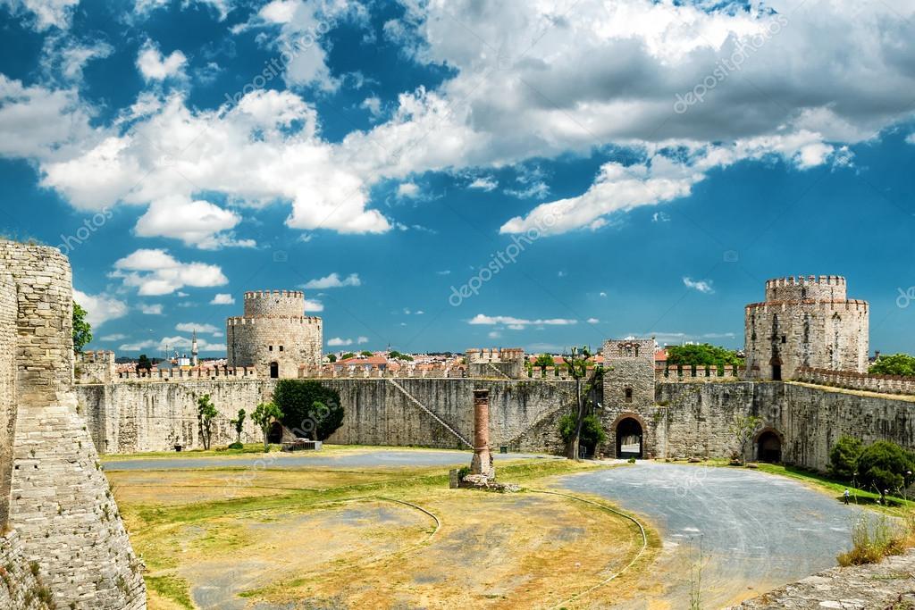 La fortaleza de Yedikule, Estambul — Foto de stock © scaliger #94962740