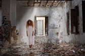 Ghost woman in abandoned house — Foto Stock