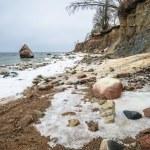 Baltic Sea coast in winter cloudy weather — Stock Photo #59716265