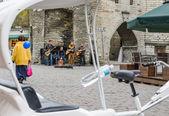 TALLINN,ESTONIA - MAY 1: Street Musicians At The Evening Near Fa — Foto Stock