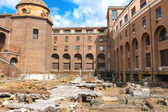 Archaeological excavations in the courtyard of a modern building — Stock Photo