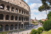 People near the Colosseum in Rome, Italy — Stock Photo