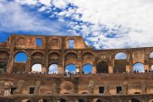 People in the Colosseum in Rome, Italy — Stock Photo