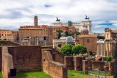 Picturesque ruins in the center of Rome, Italy  — Stock Photo
