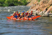 Rafting tourists with an experienced instructor on the river Sou — Stockfoto