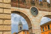 Medieval city gate. Verona, Italy — Stok fotoğraf