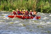 Rafting tourists with an experienced instructor on the river Sou — Stock fotografie