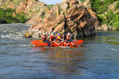 Rafting tourists with an experienced instructor on the river Sou — Foto Stock