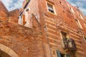 The medieval Italian house in Verona, Italy — Stockfoto