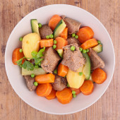 Tasty beef and vegetables — Stock Photo