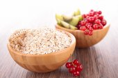 Oat and fruits — 图库照片