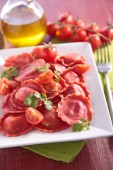 Fresh pasta and tomatoes — Stock Photo