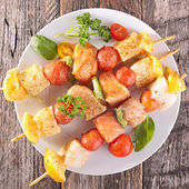 Raw fish skewer and ingredients — Stok fotoğraf