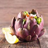 Fried artichoke salad — Stock Photo