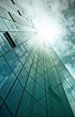Cam ve çelik ofis binası — Stok fotoğraf