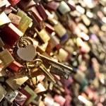 Heart padlock — Stock Photo #53647835
