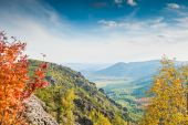 Beautiful view of the mountain gorge — Stock Photo