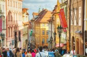 Crowded street of Old town in Prague — Stock Photo