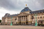 Royal Palace bulding facade in Brussels — Stock Photo