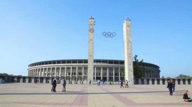 Olimpic stadium exterior in Berlin — Vídeo de Stock