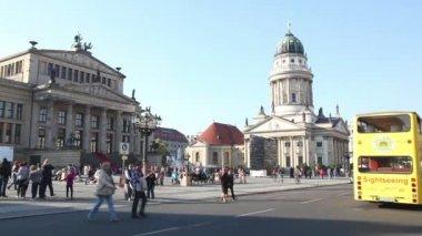 Concert hall at Gendarmenmarkt square in Berlin — Stock Video