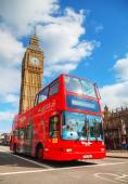 Iconic red double decker bus in London — Stock Photo