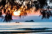 Tropical beach in Thailand — Stock Photo