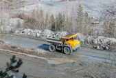 Big truck transport stone ore in career — Foto de Stock