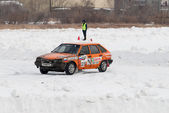 Sports ice competitions on cars — Photo
