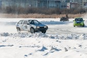 Sports ice competitions on cars — Stockfoto