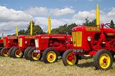 Tractores rojos — Foto de Stock