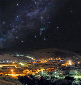 Cold winter night in mountain town — Foto Stock