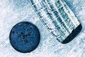 Hockey Stick and Puck. — Foto de Stock