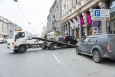 Car tow. — Stock Photo
