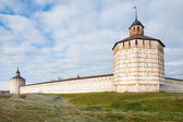 Wall of the Kirillo-Belozersky monastery. Architectural monument — ストック写真