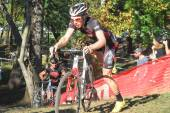 Cyclist competes in Cyclocross Race — Stock Photo