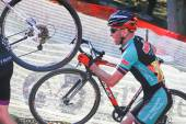 Cyclist competes in Cyclocross Race — Stock fotografie