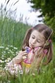 Allergic to pollen — Stock Photo