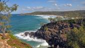 Waves on Rocks in the Noosa National Park Queensland Australia. — Stock Photo